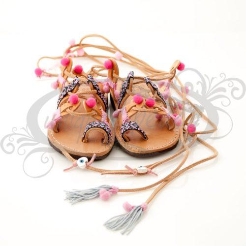 Χειροποίητα παιδικά ΔΕΡΜΑΤΙΝΑ σανδάλια ΕΛΛΗΝΙΚΗΣ ΠΡΟΕΛΕΥΣΗΣ σε Boho style. Διατίθενται μεγέθη από 20 έως 34.